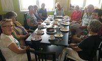 Der Kaffeeklatsch Der Treff für Leute im reifen Alter
